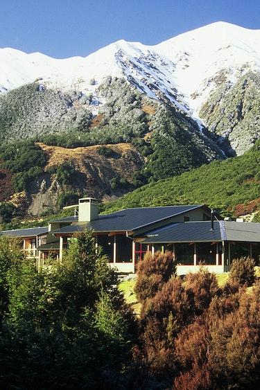 Nz arthurs pass lodge mountain nature view friends stays luxury