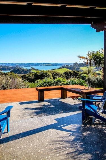 Nz bay of islands bed breakfast terrace view friends stays very comfortable