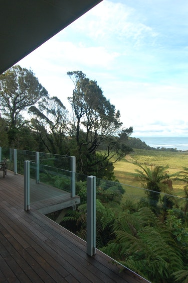Nz charleston holiday home terrace beach view friends stays comfortable
