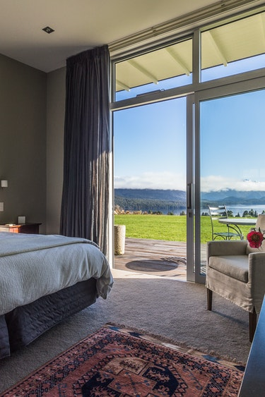 Nz fiordland national park lodge bedroom view friends stays very comfortable