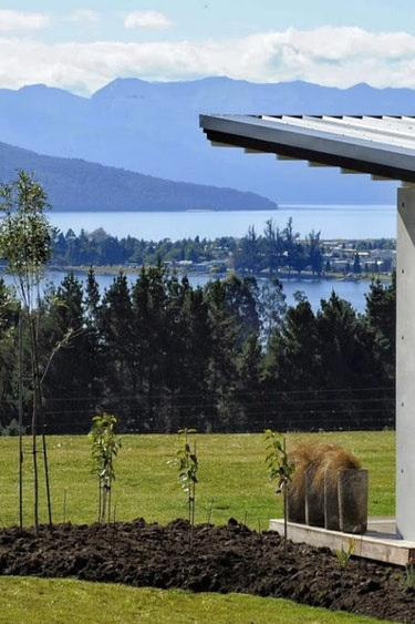 Nz fiordland national park lodge view friends stays very comfortable