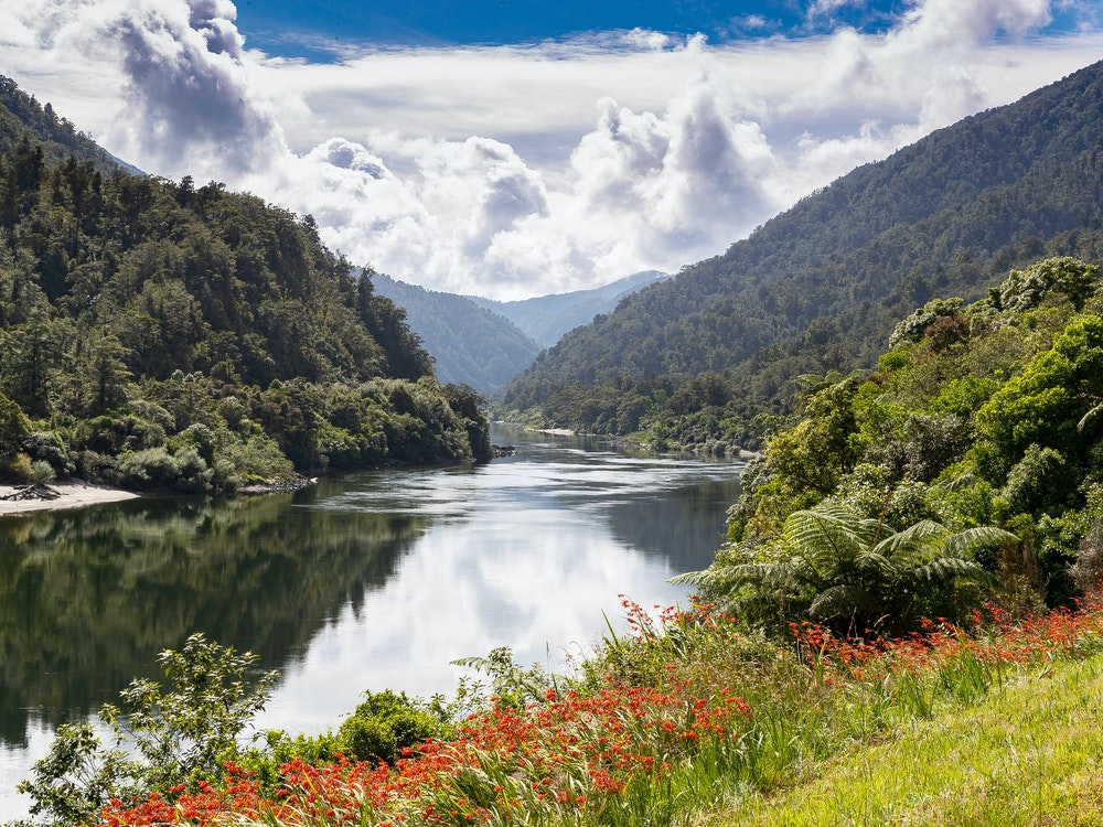 Enjoy a picnic together next to New Zealand's many rivers