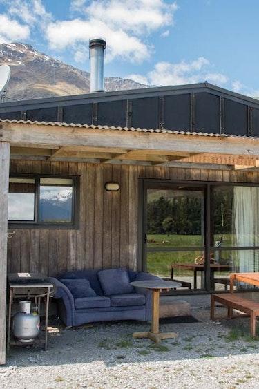 nz-makarora-bed-breakfast-room-terrace-partner-accommodation-comfortable