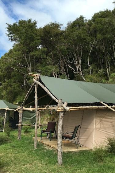 nz-rotorua-glamping-outside-view-partner-accommodation-comfortable