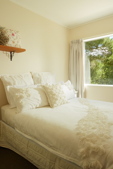 nz-blenheim-farm-stay-bedroom-view-partner-accommodation-very-comfortable