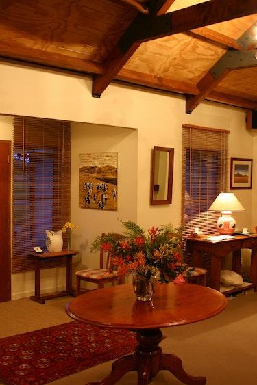 nz-canterbury-lodge-livingroom-view-partner-accommodation-comfortable