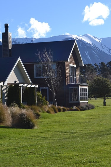 nz-canterbury-lodge-mountain-view-partner-accommodation-comfortable