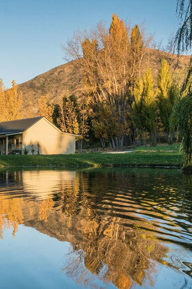 nz-queenstown-cottage-lake-view-partner-accommodation-comfortable