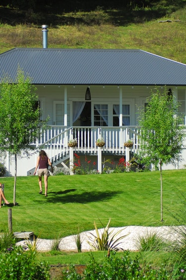 Nz ribbonwood cottages 1 partner very comfortable