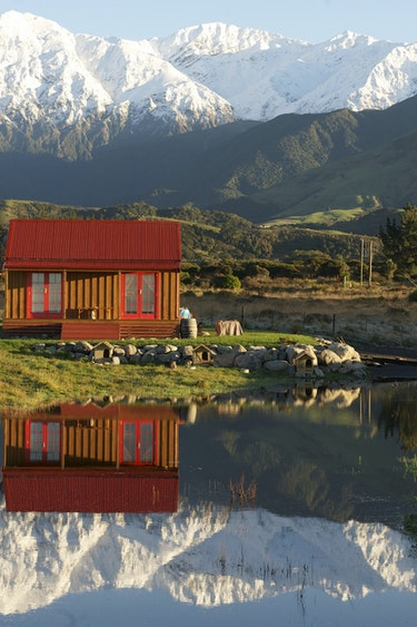 Nz kaikoura small house mountains reflection partner comfortable