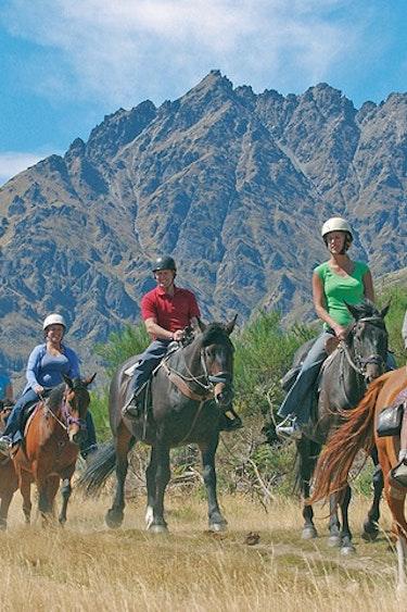 4844 Walter Peak Horse Treks 1524474804 real journeys 736x600