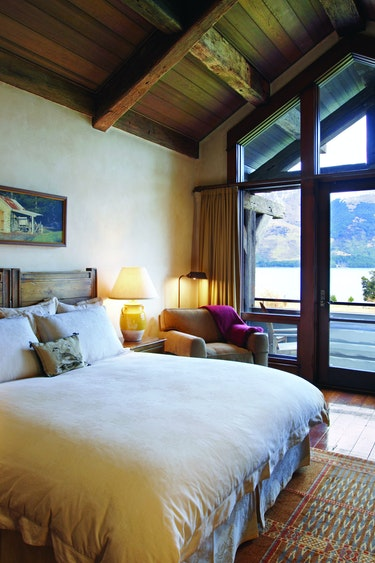 Nz glenorchy lodge bedroom mountain view solo stays luxury