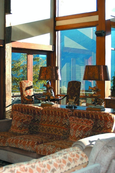 Nz glenorchy lodge living area view solo stays luxury