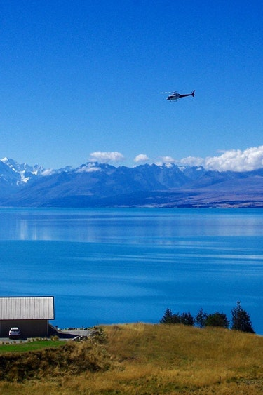 Nz lake pukaki lodge helicopter mountain view solo stays luxury