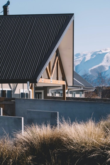 Nz lake pukaki lodge outside mountain view solo stays luxury