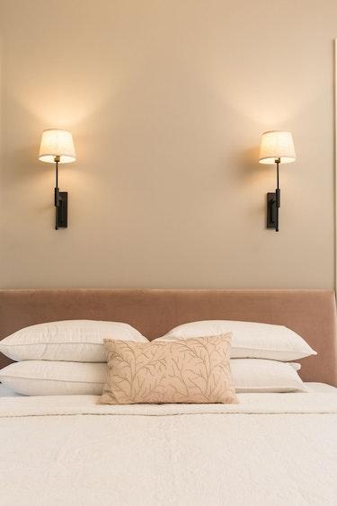 Nz marlborough lodge bedroom view solo stays luxury