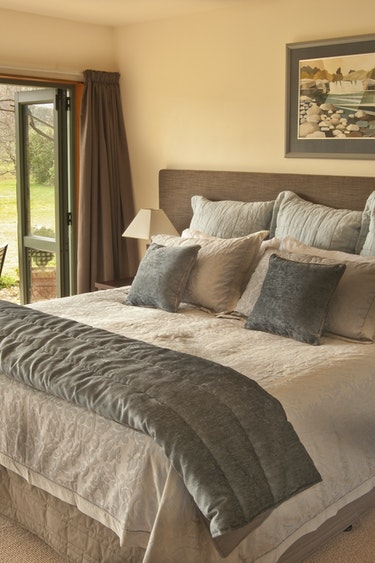 Nz taupo lodge bedroom terrace solo stays very comfortable