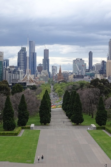 Family van holland view of melbourne from shrine